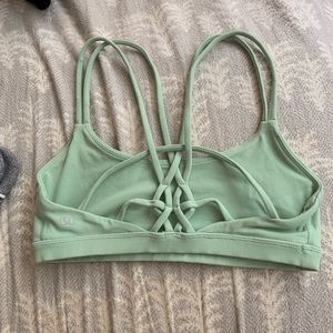 Mint lululemon sports bra